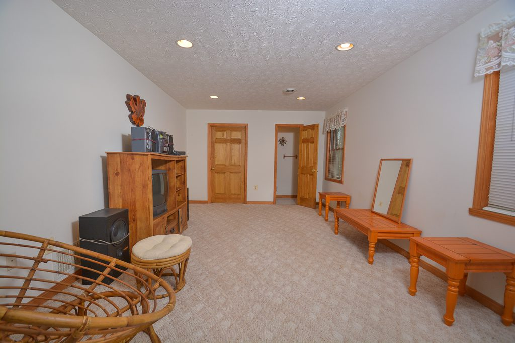 445 Paradise Heights Road, Oakland, MD